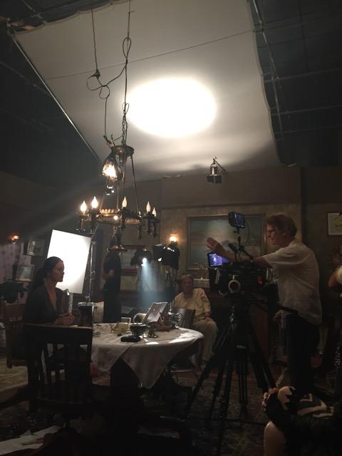 las-brujas_directing-seance-scene